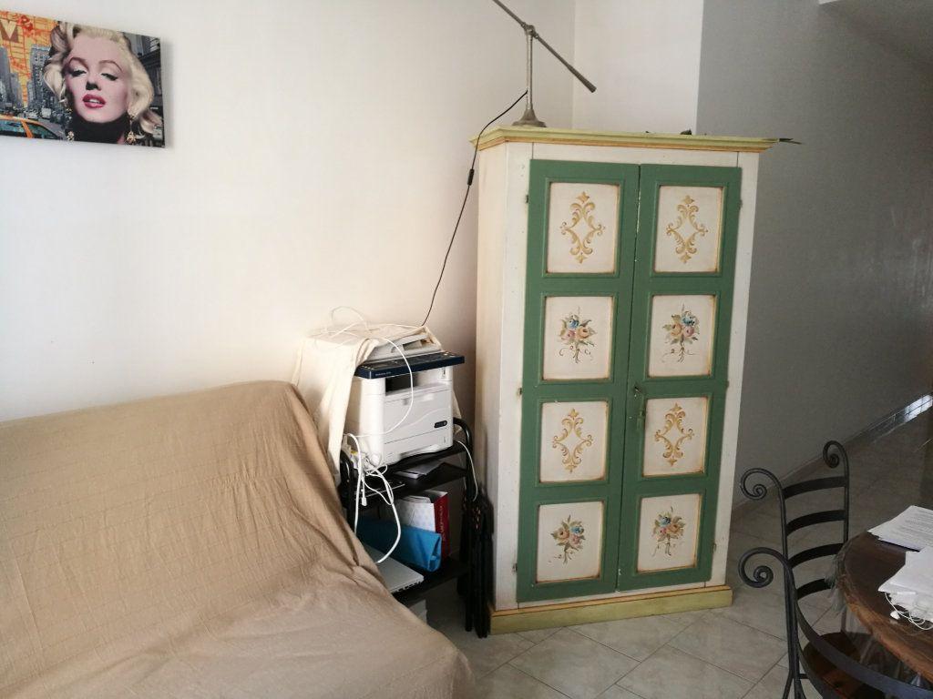 Appartement à louer 2 35.16m2 à Nice vignette-4