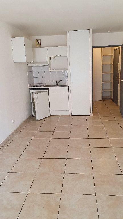 Appartement à louer 1 24.5m2 à Nice vignette-1