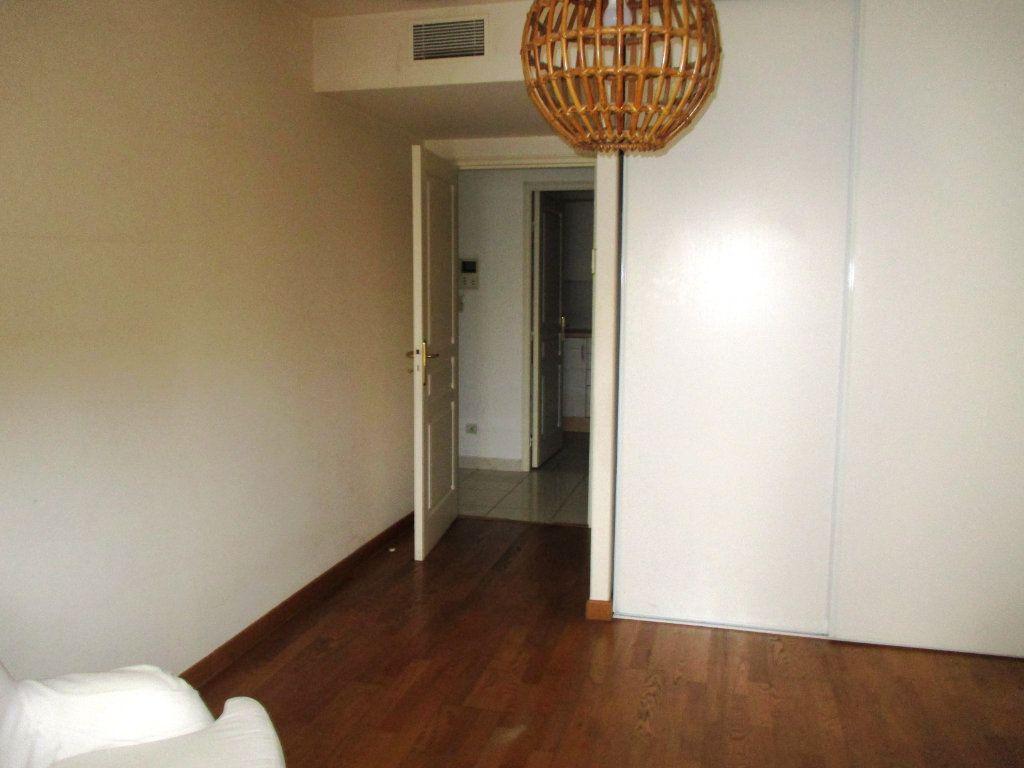 Appartement à vendre 2 55.79m2 à Nice vignette-3
