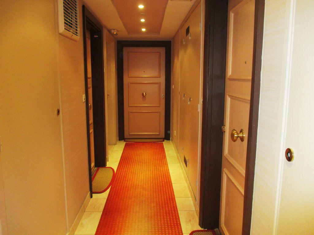 Appartement à vendre 2 55.79m2 à Nice vignette-6