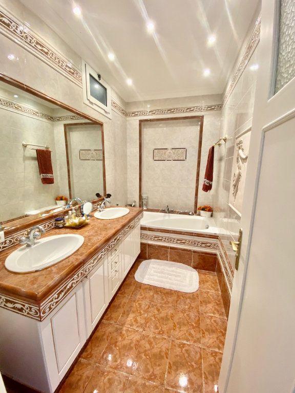 Appartement à vendre 3 120.63m2 à Nice vignette-12