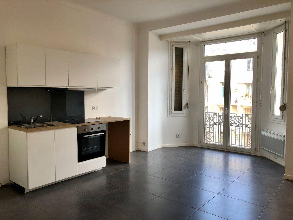 Appartement à louer 3 52.05m2 à Nice vignette-1