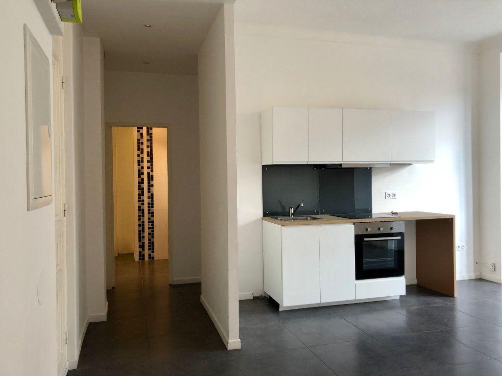 Appartement à louer 3 52.05m2 à Nice vignette-2