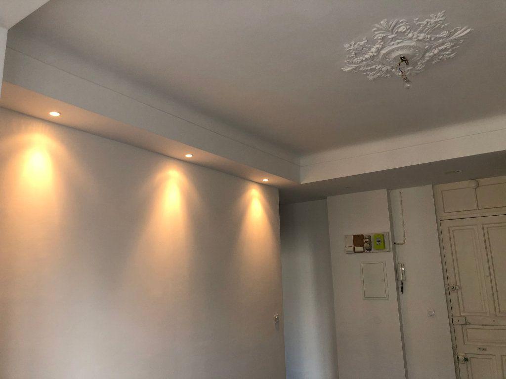 Appartement à louer 3 52.05m2 à Nice vignette-4