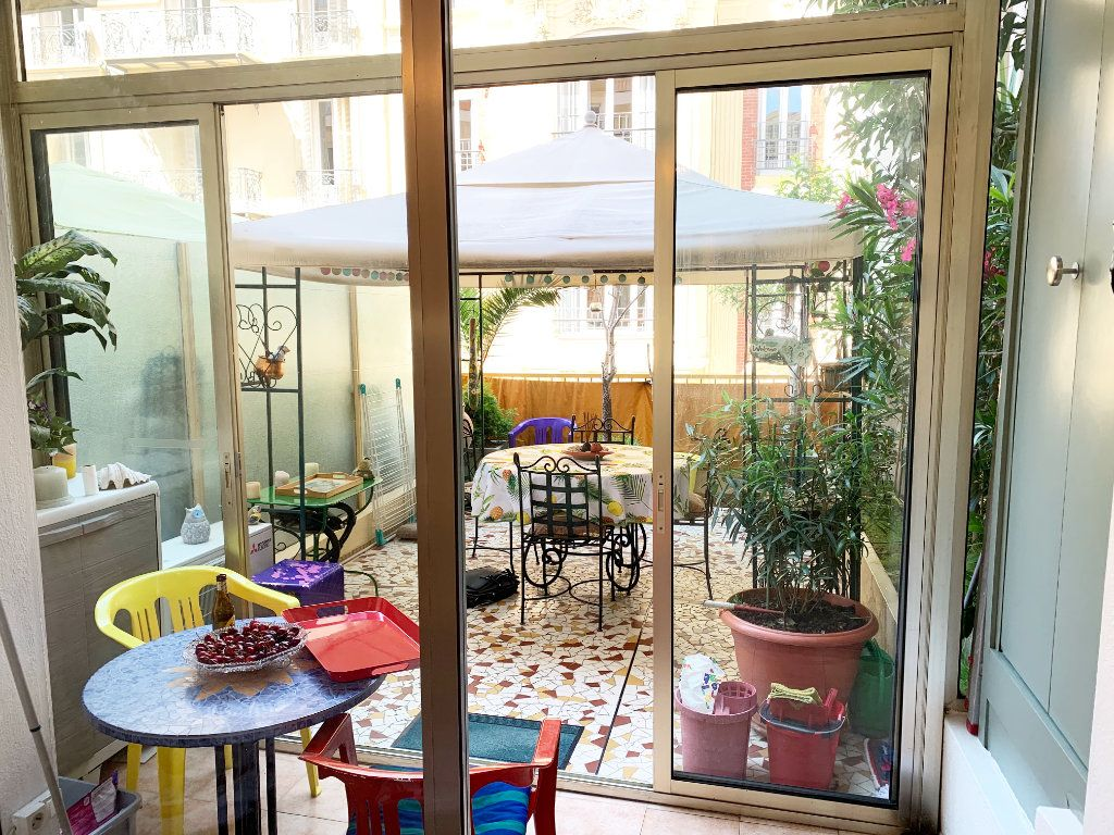 Appartement à vendre 2 36m2 à Nice vignette-1