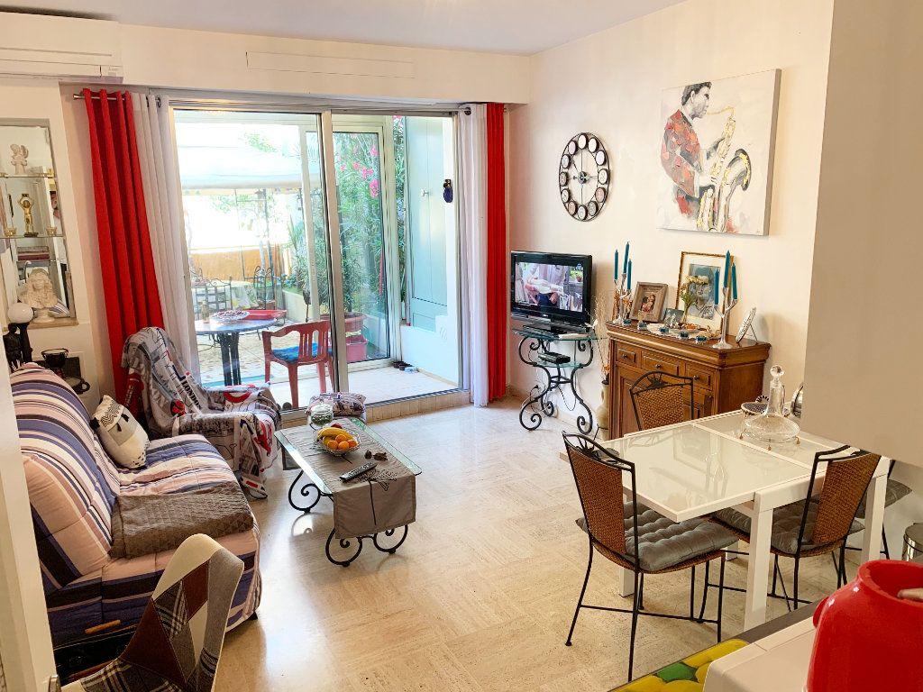 Appartement à vendre 2 36m2 à Nice vignette-2