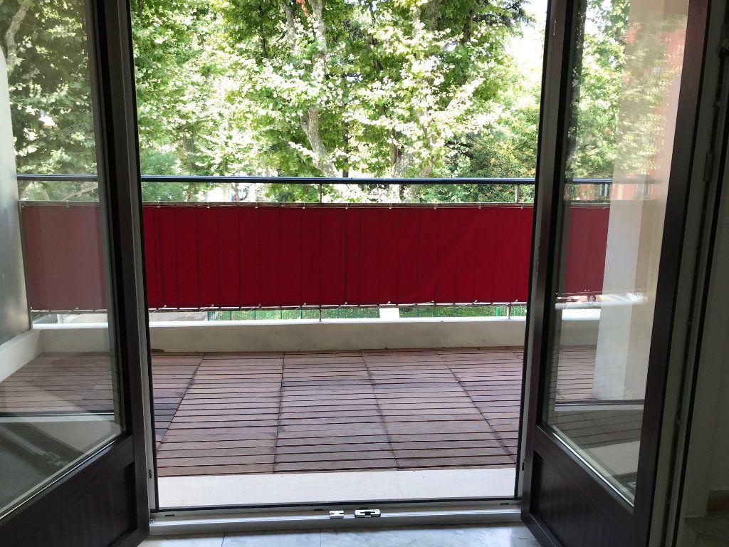 Appartement à vendre 2 60m2 à Nice vignette-3