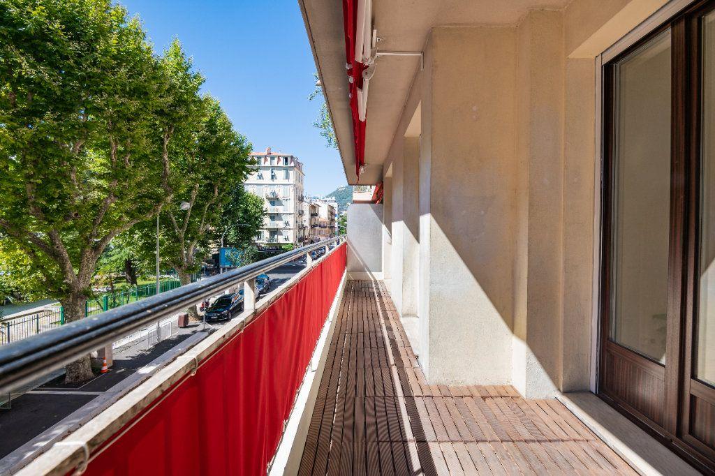 Appartement à vendre 2 60m2 à Nice vignette-4