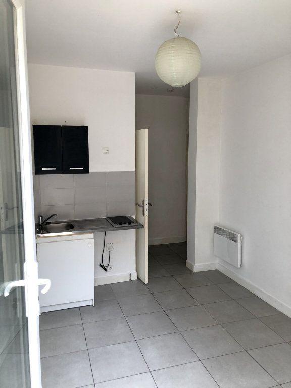 Appartement à louer 2 25.15m2 à Nice vignette-2