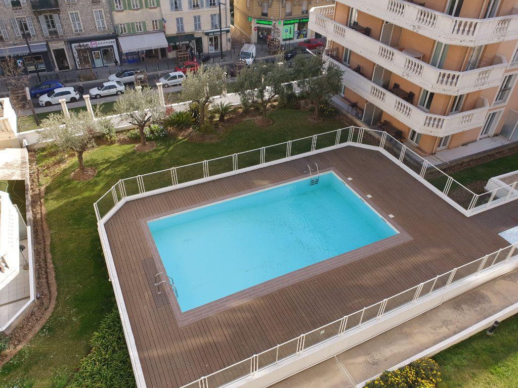 Appartement à louer 2 36m2 à Nice vignette-1