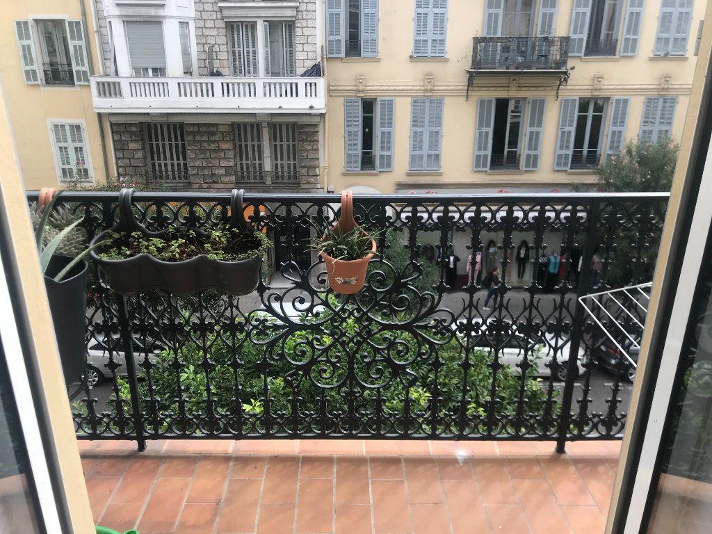 Appartement à vendre 4 90m2 à Nice vignette-1