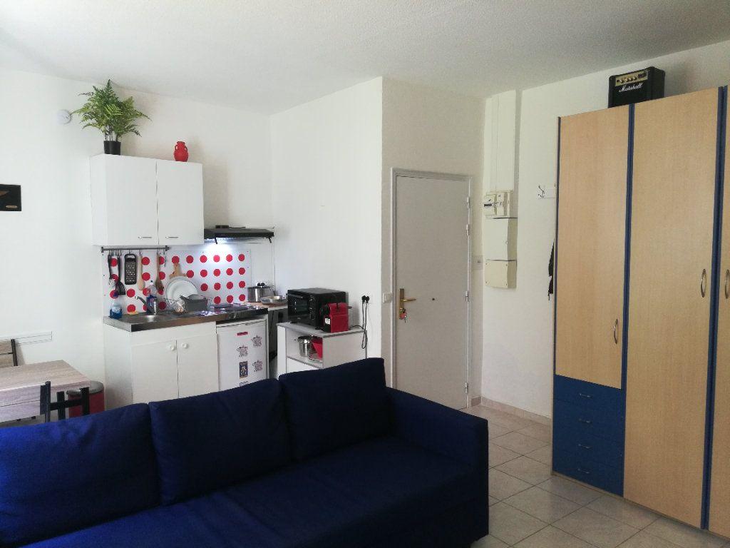Appartement à louer 2 32.7m2 à Nice vignette-4