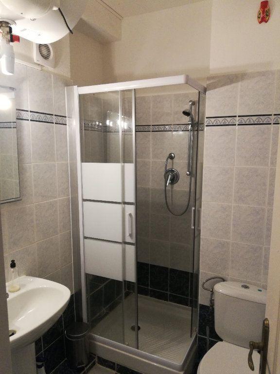 Appartement à louer 2 32.7m2 à Nice vignette-6