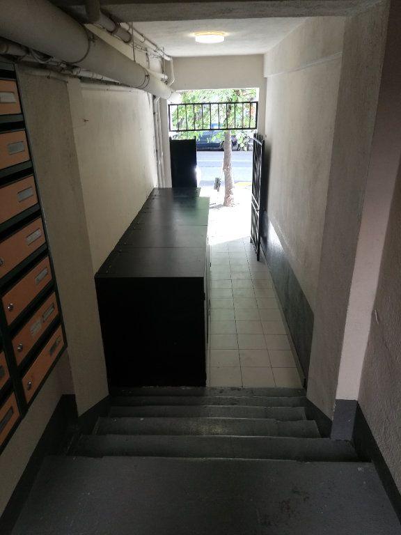 Appartement à louer 2 32.7m2 à Nice vignette-11