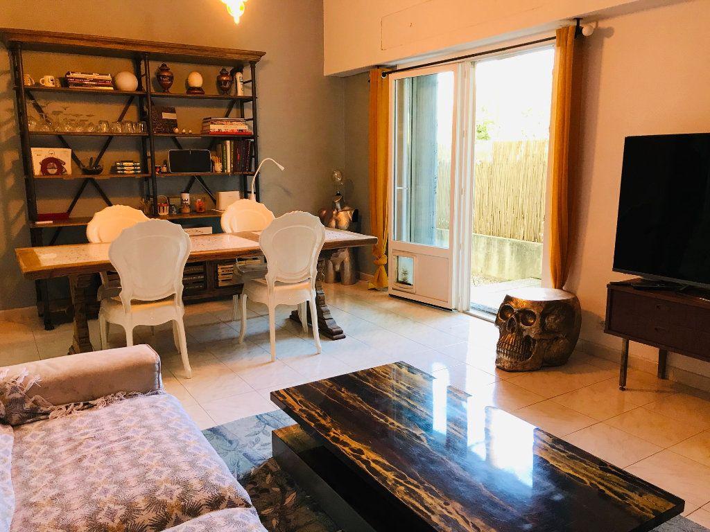 Appartement à vendre 3 88m2 à Nice vignette-1