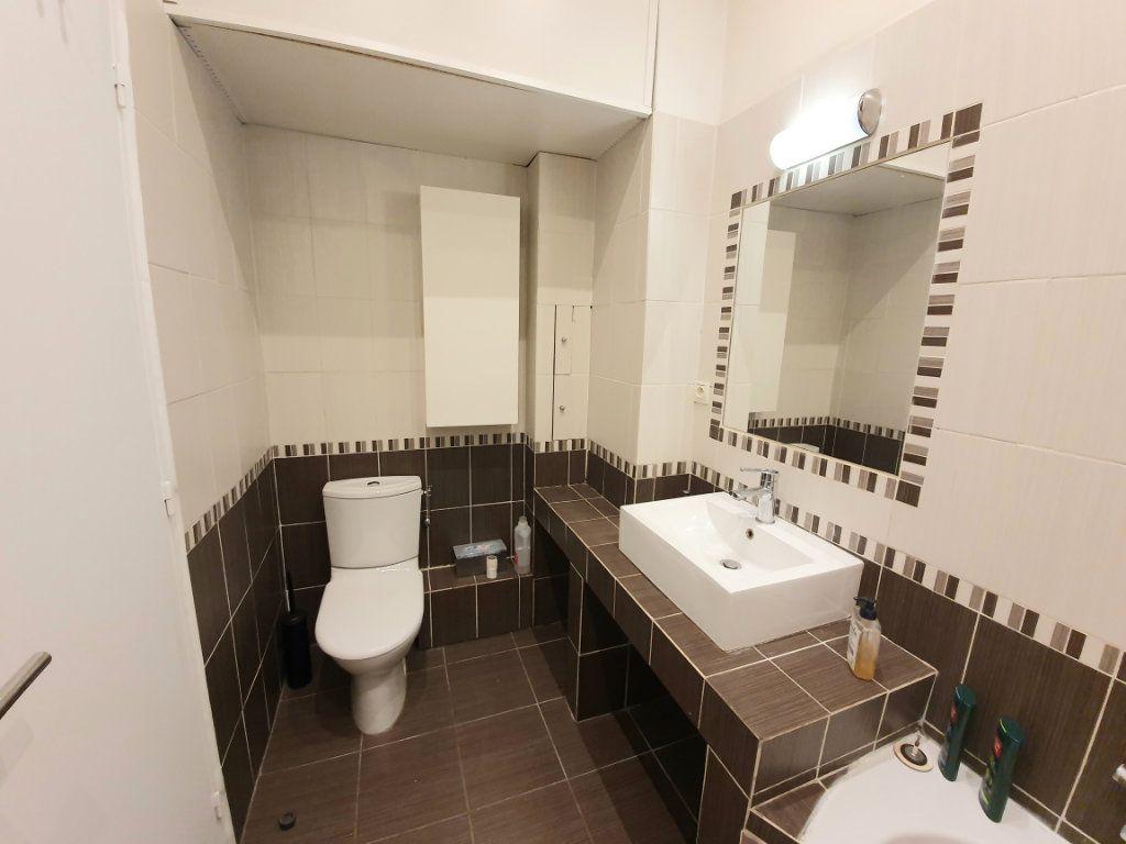 Appartement à louer 1 37m2 à Nice vignette-7