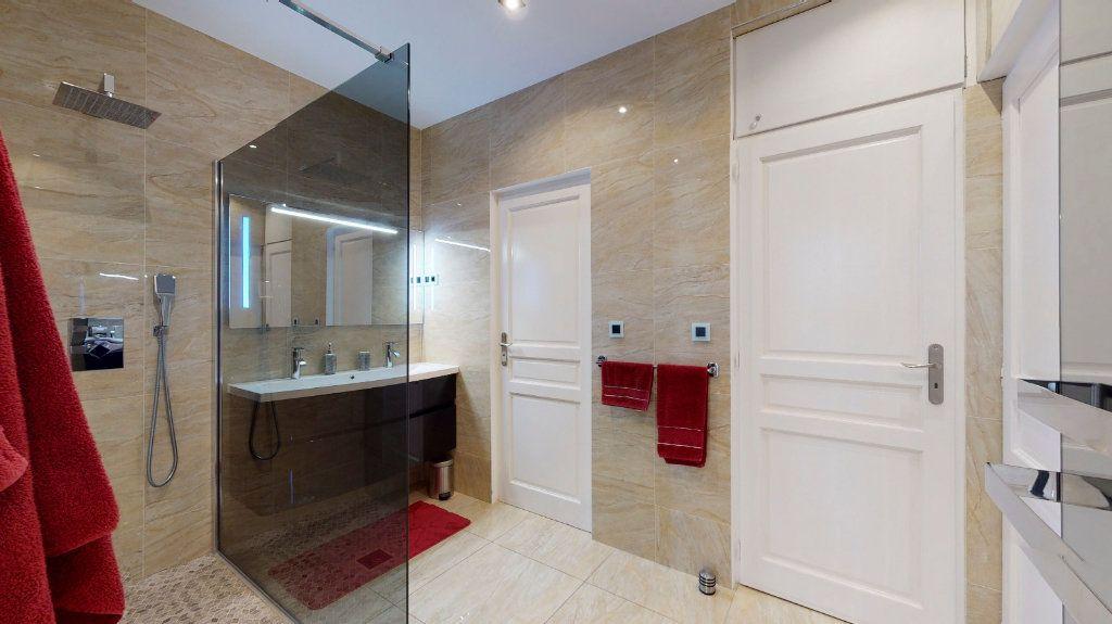 Appartement à vendre 2 68m2 à Nice vignette-4