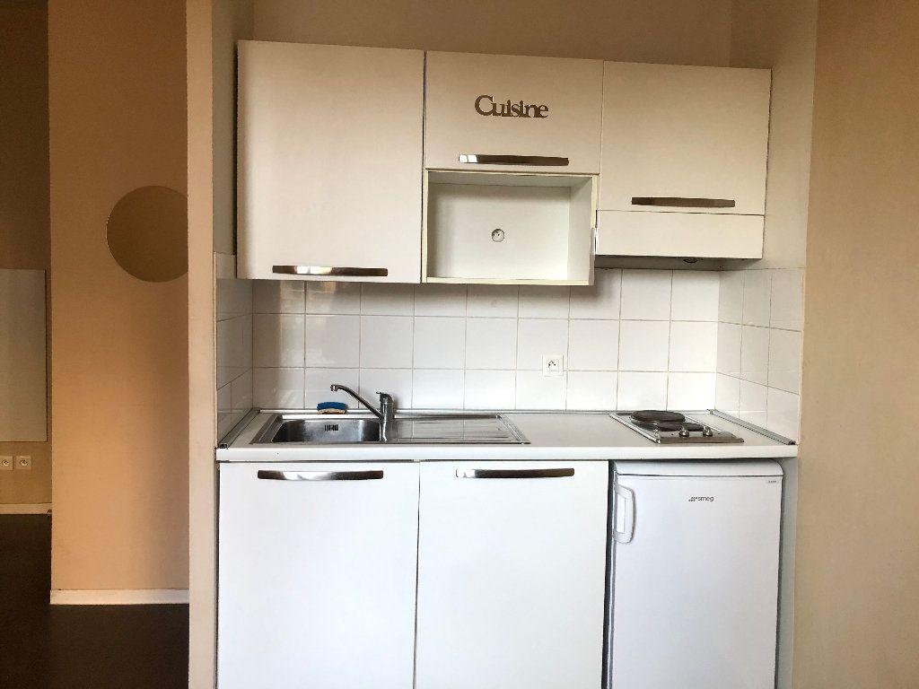 Appartement à louer 1 23.25m2 à Nice vignette-2