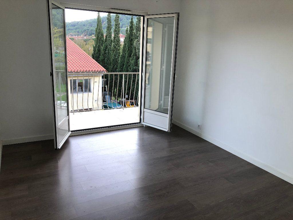 Appartement à louer 3 57.54m2 à Contes vignette-6