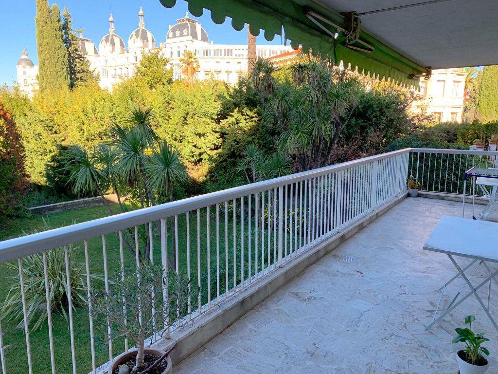 Appartement à vendre 4 105m2 à Nice vignette-1