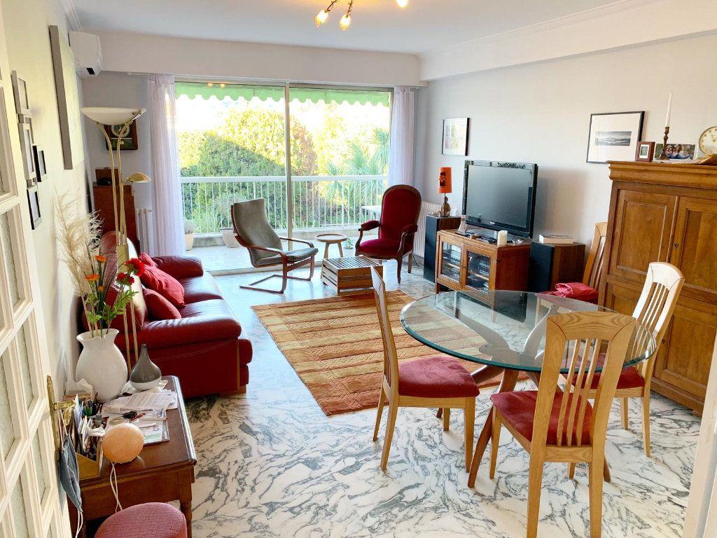 Appartement à vendre 4 105m2 à Nice vignette-2