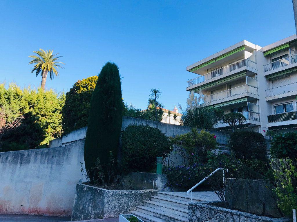Appartement à vendre 4 105m2 à Nice vignette-11