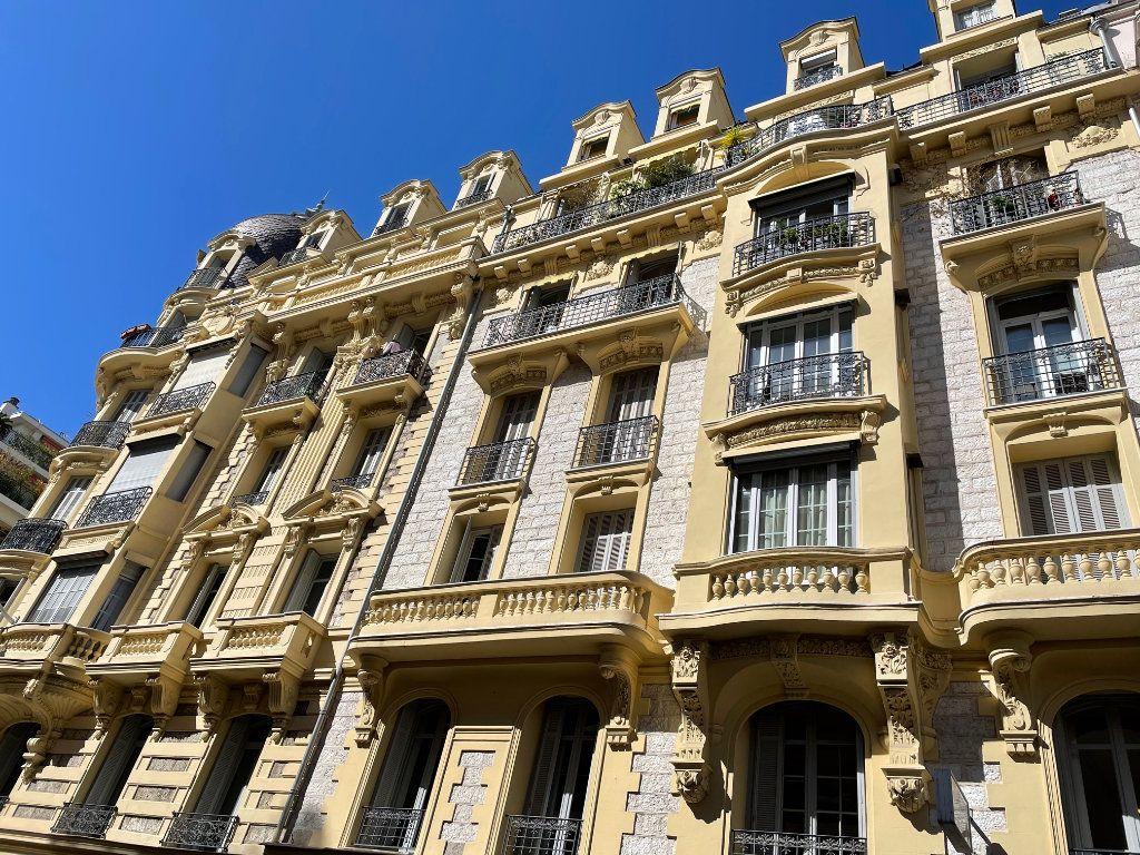 Appartement à vendre 3 69m2 à Nice vignette-1