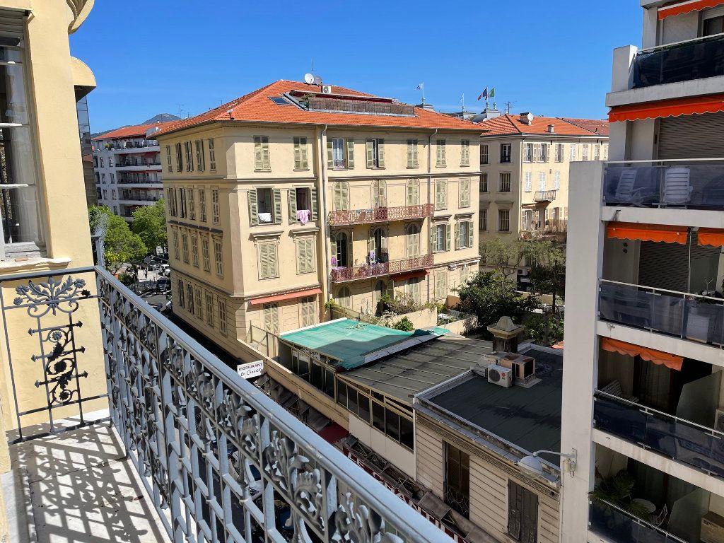 Appartement à vendre 3 69m2 à Nice vignette-4