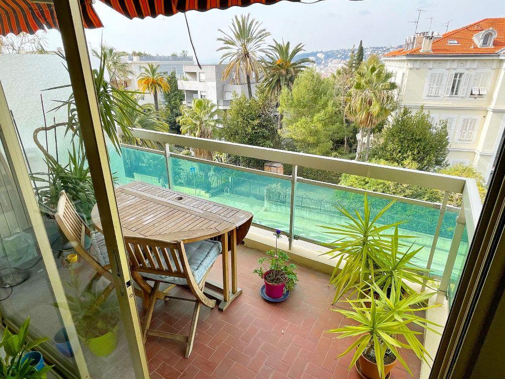 Appartement à vendre 2 55m2 à Nice vignette-1
