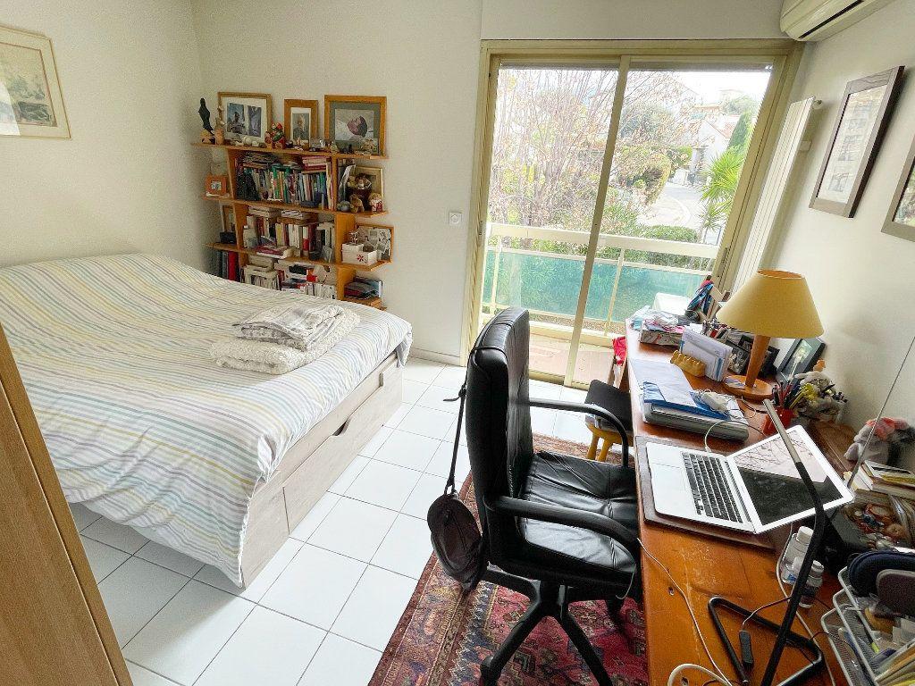 Appartement à vendre 2 55m2 à Nice vignette-3