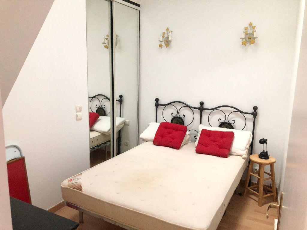 Appartement à louer 2 25.7m2 à Nice vignette-2