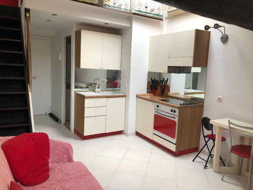 Appartement à louer 2 25.7m2 à Nice vignette-3