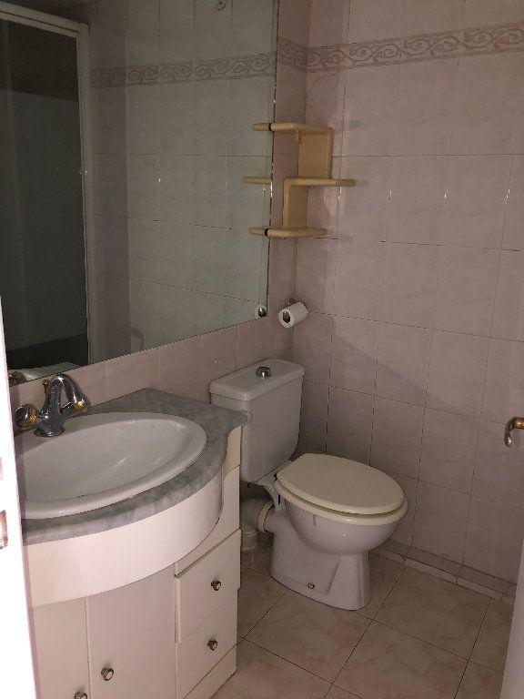 Appartement à louer 2 25.7m2 à Nice vignette-4