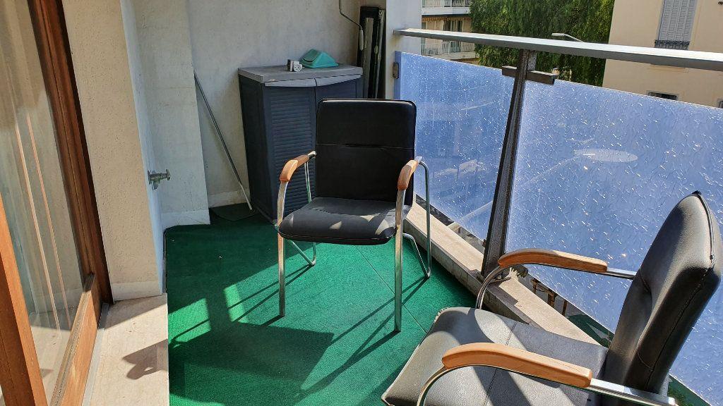 Appartement à louer 2 60m2 à Nice vignette-3