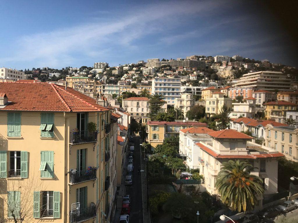 Appartement à vendre 1 9m2 à Nice vignette-1