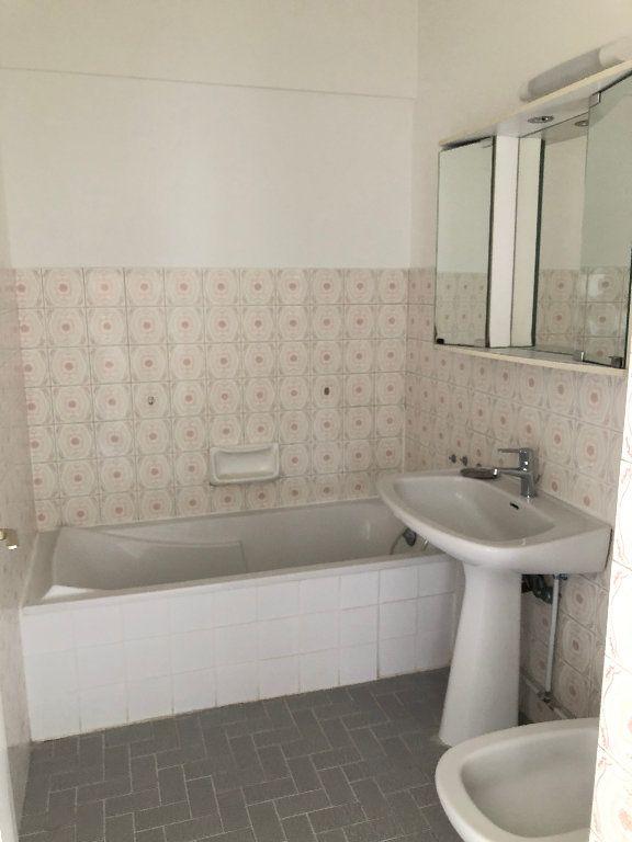 Appartement à louer 3 61.8m2 à Cagnes-sur-Mer vignette-6