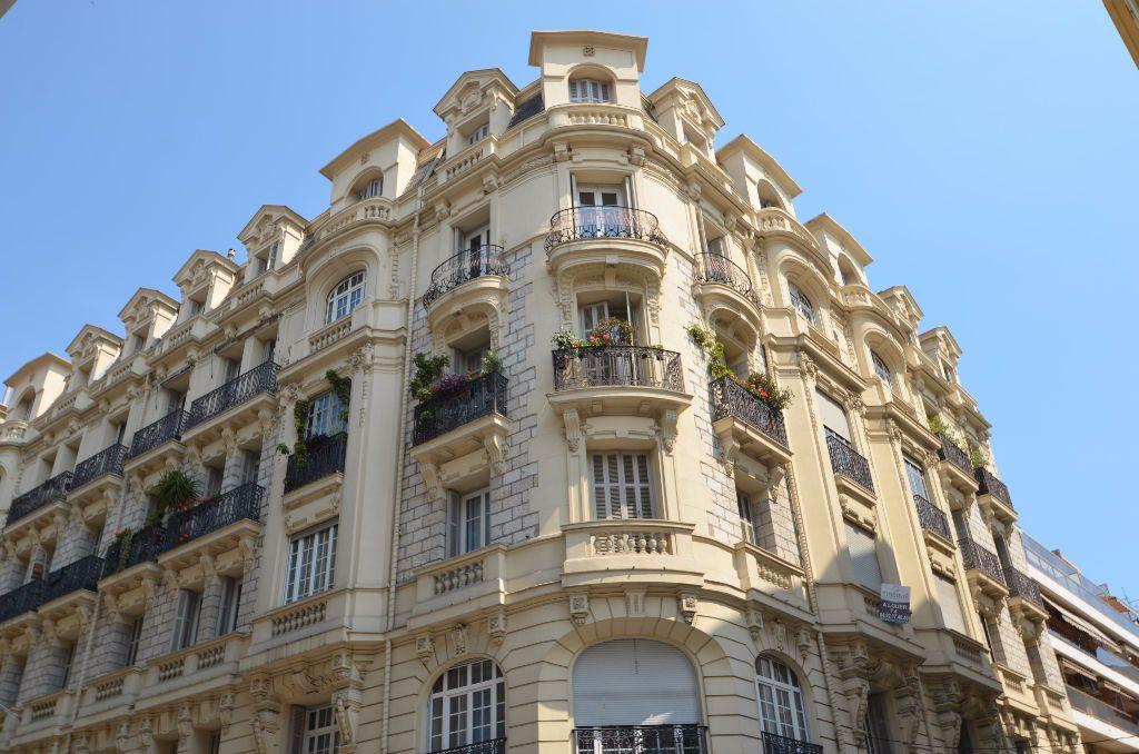 Appartement à vendre 3 88.95m2 à Nice vignette-3