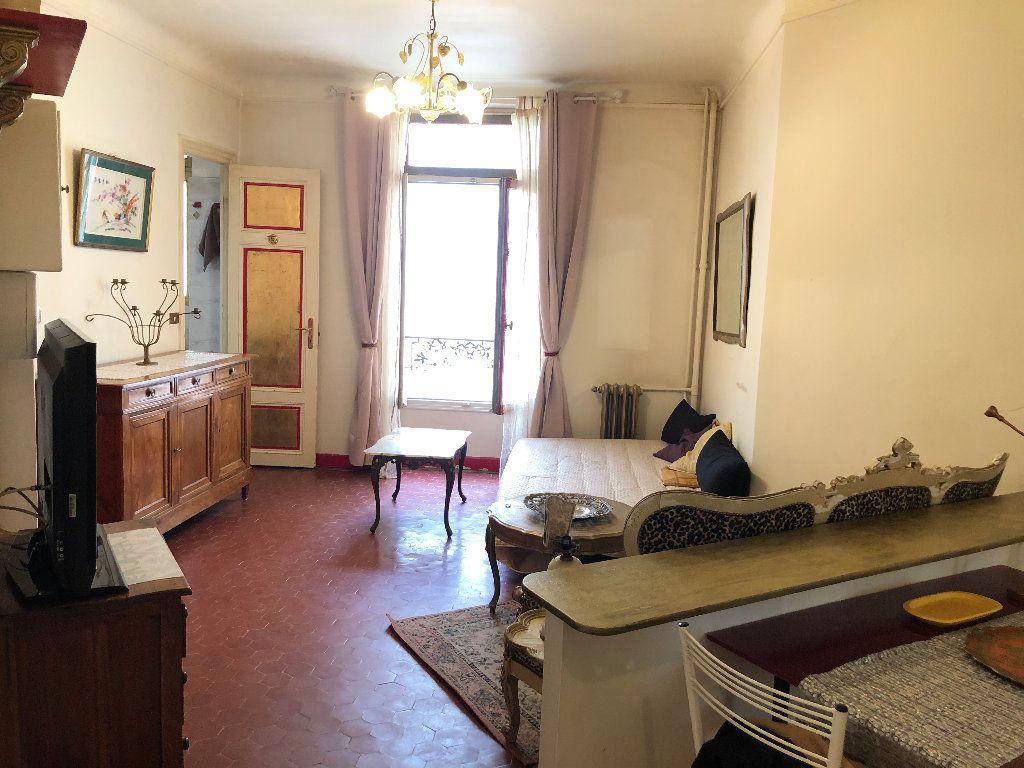 Appartement à louer 1 25.03m2 à Nice vignette-3
