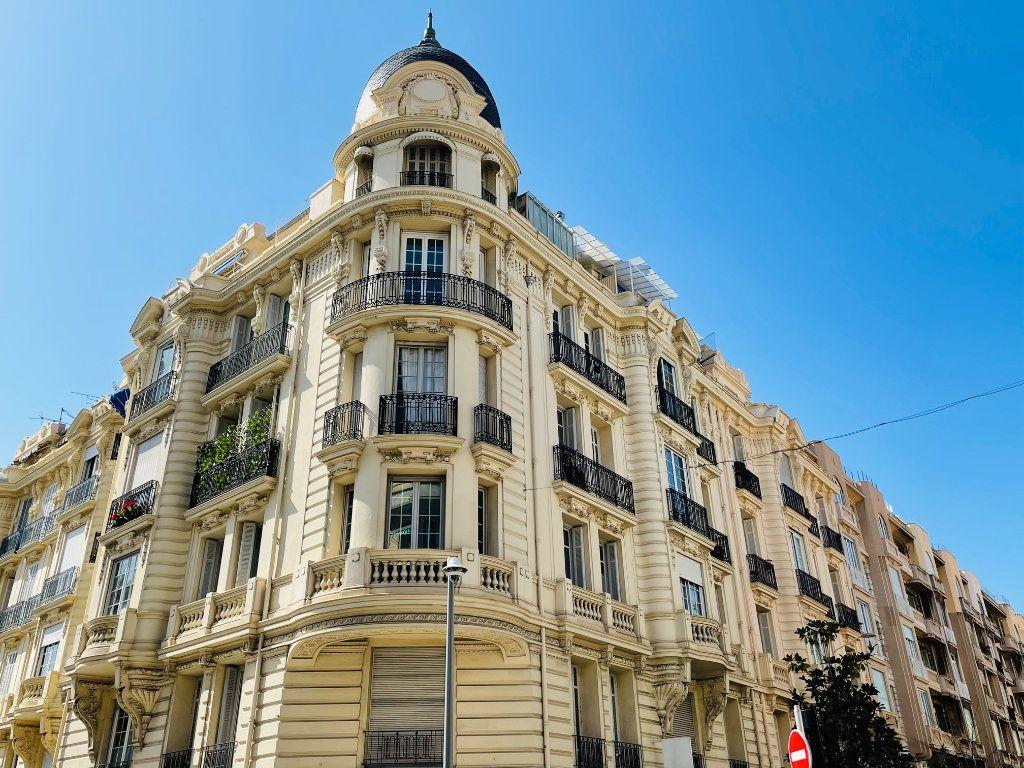 Appartement à vendre 3 103m2 à Nice vignette-1