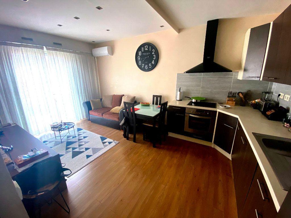 Appartement à vendre 3 47.32m2 à Nice vignette-1