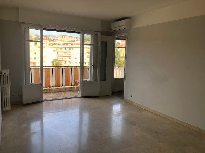 Appartement à louer 1 30.57m2 à Nice vignette-1