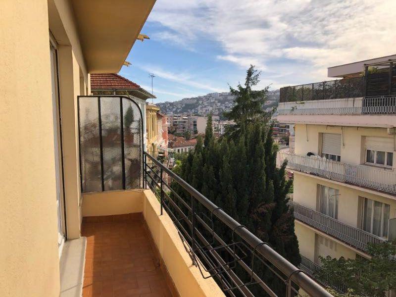 Appartement à louer 3 49.75m2 à Nice vignette-1