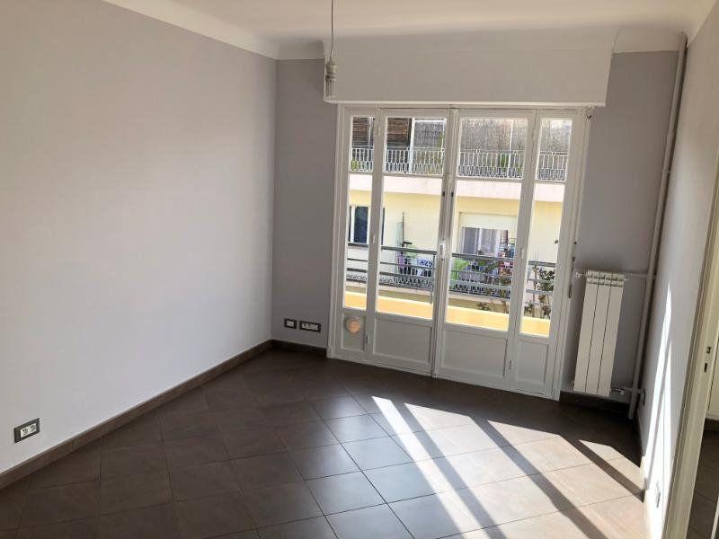 Appartement à louer 3 49.75m2 à Nice vignette-2
