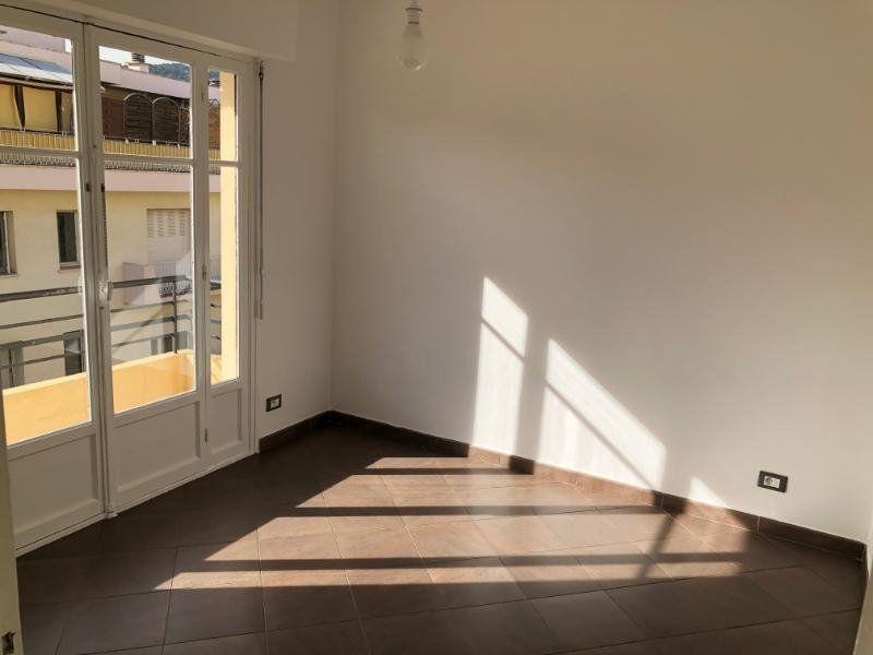 Appartement à louer 3 49.75m2 à Nice vignette-3