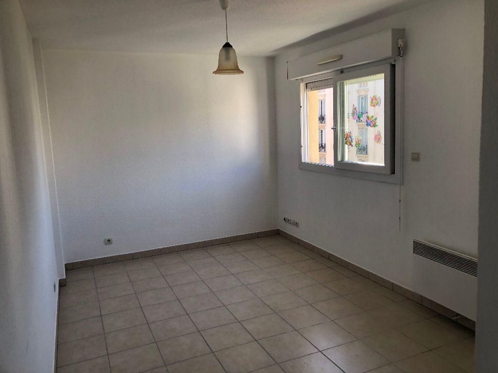 Appartement à louer 1 18m2 à Nice vignette-1
