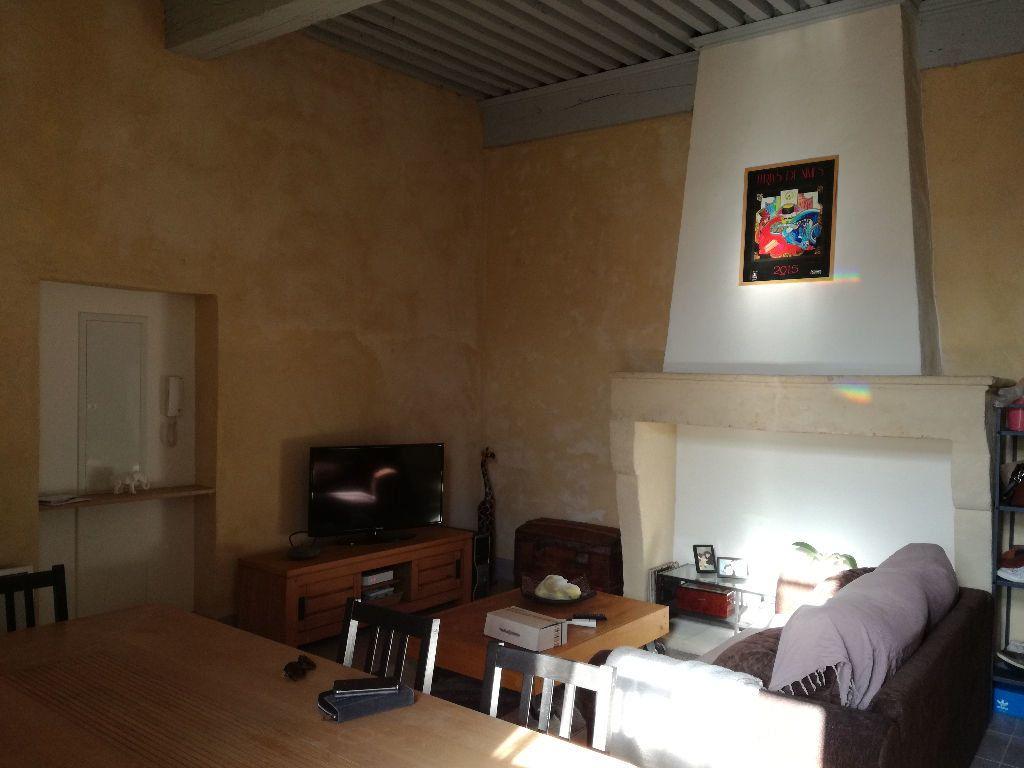 Appartement à louer 3 83m2 à Remoulins vignette-4