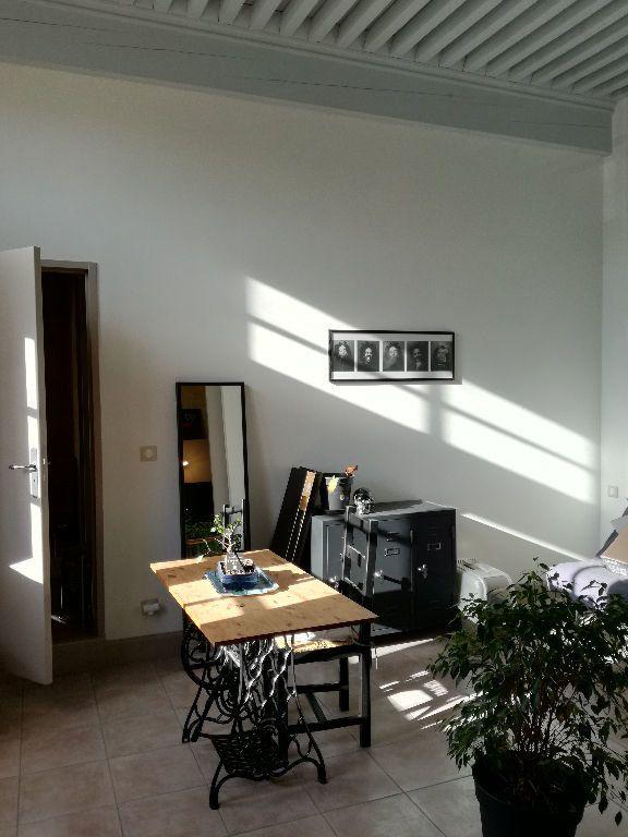 Appartement à louer 3 83m2 à Remoulins vignette-6