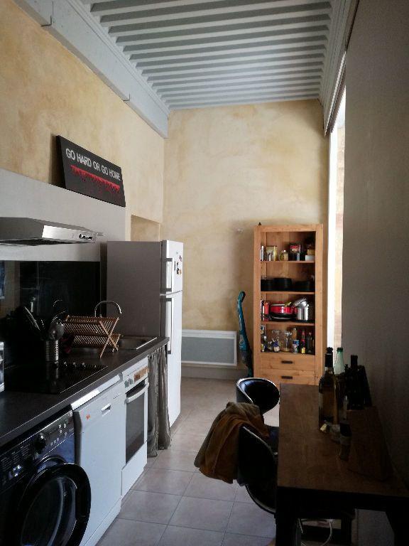 Appartement à louer 3 83m2 à Remoulins vignette-10