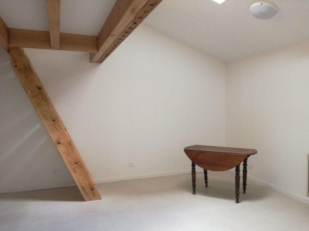 Appartement à louer 2 33m2 à Remoulins vignette-5