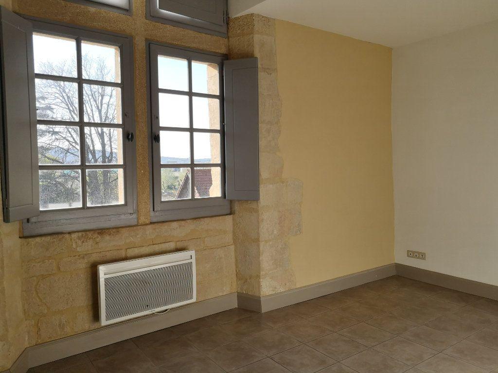 Appartement à louer 3 59m2 à Remoulins vignette-5